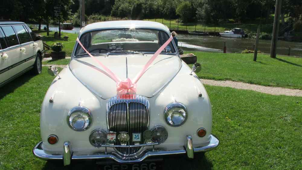 Daimler Wedding Car Hire A 1960 S Transport Theme For